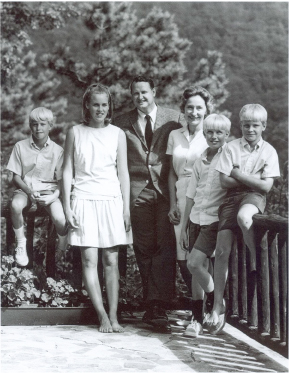 8-Tom-Belk-family,-1960s